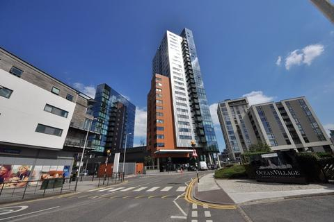 3 bedroom property for sale -  The Moresby Tower, Admirals Quay, Southampton, SO14