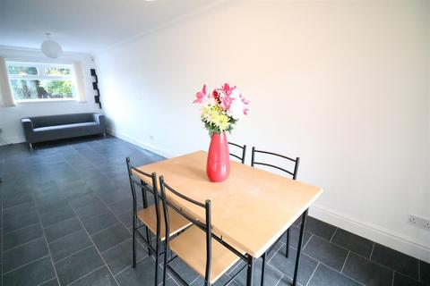 3 bedroom terraced house to rent - Barkis Close, L8 8LN