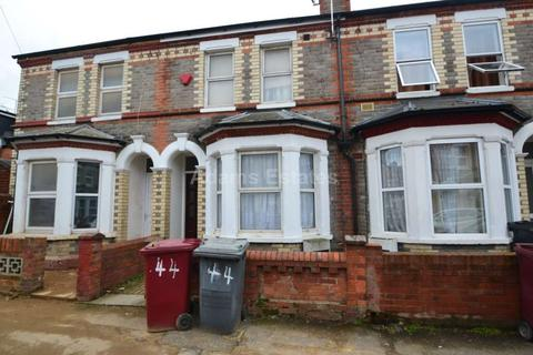 5 bedroom terraced house to rent - Norris Road, Reading