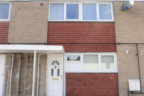 2 bedroom flat to rent - Corbets Tey Road, Upminster RM14