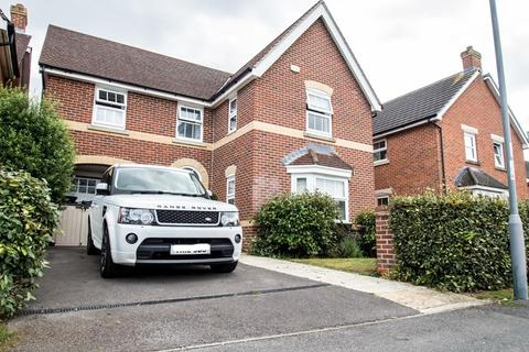 4 bedroom detached house for sale - IMMACULATE 4 BED, Priestley Road. St Marks School Catchment