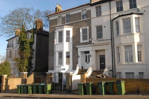 2 bedroom flat for sale - Eglinton Hill, Shooters Hill, London, SE18
