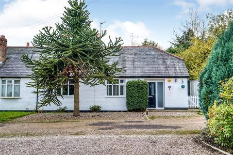 4 bedroom bungalow for sale - Meadow Lane, Lapworth, Solihull, Warwickshire, B94
