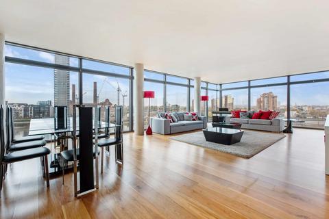 3 bedroom flat to rent - MONTEVETRO BUILDING, SW11
