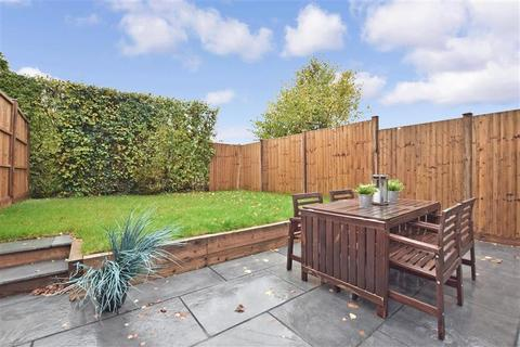 4 bedroom semi-detached house for sale - Sycamore Walk, Reigate, Surrey