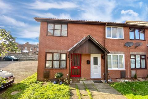 2 bedroom end of terrace house for sale - Blenheim Court, Southsea