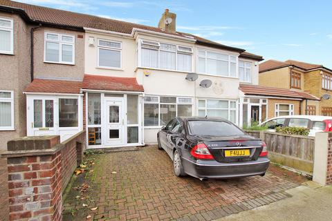 3 bedroom terraced house to rent - Ellis Avenue, Rainham, Essex