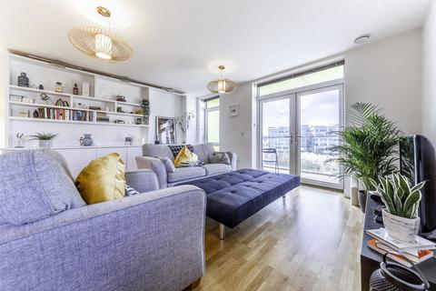 3 bedroom apartment for sale - Falcondale Court, Lakeside Drive, Park Royal, NW10