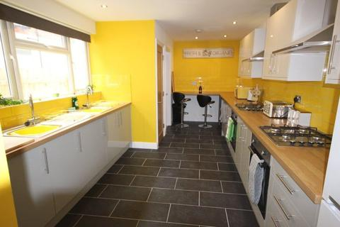 6 bedroom terraced house to rent - Holderness Road, Hull