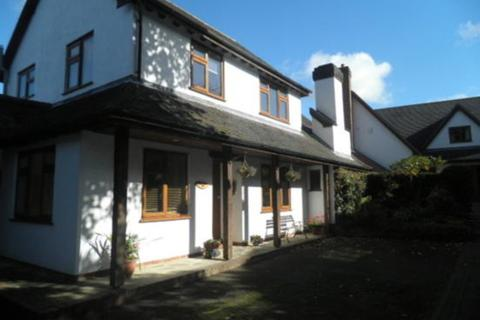 4 bedroom detached house to rent - The Coach House