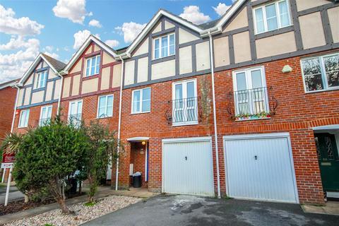 4 bedroom detached house to rent - Norfolk Road, Littlehampton, BN17 5HE