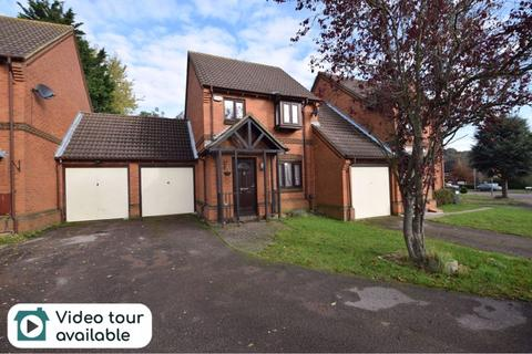 3 bedroom detached house for sale - Gleneagles Drive, Luton