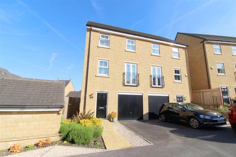 3 bedroom townhouse for sale - Camlet Close, Ovenden Wood, Halifax
