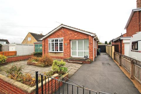 2 bedroom detached bungalow for sale - Chestnut Avenue, Beverley