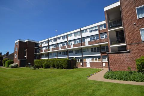 1 bedroom flat to rent - The Poplars, West Bridgford