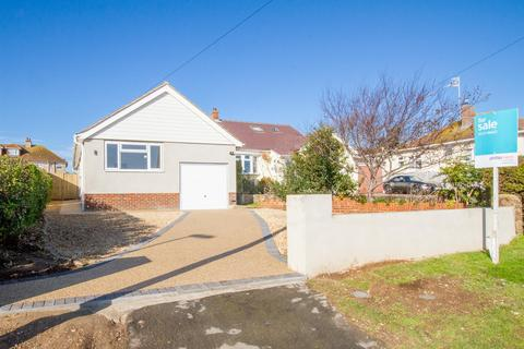 2 bedroom detached bungalow for sale - Cliff Gardens, Telscombe Cliffs, Peacehaven