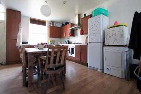 6 bedroom terraced house to rent - Cliff Mount, Leeds, LS6 2HP