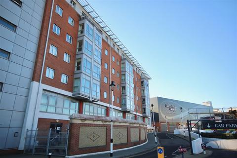 2 bedroom flat to rent - The Roundhouse, Gunwharf Quays, Portsmouth