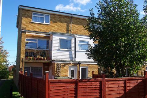 2 bedroom flat to rent - Newbury Road, Houghton Regis