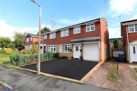 4 bedroom semi-detached house for sale - Millers Vale, Wombourne, Wolverhampton