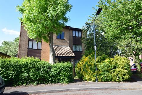 1 bedroom flat for sale - Millhaven Close, Chadwell Heath, Romford