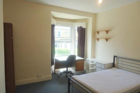 6 bedroom terraced house to rent - Crookesmoor Road, Sheffield, S10 1BD
