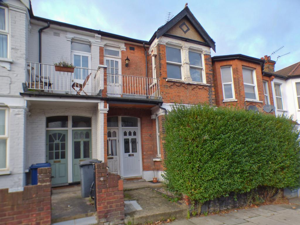 2 Bedroom Ground Floor Maisonette