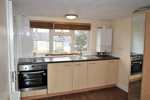 3 bedroom flat to rent - Durants Road, Enfield, London. EN3