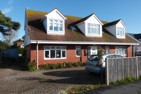 2 bedroom ground floor flat for sale - Church Road, Selsey