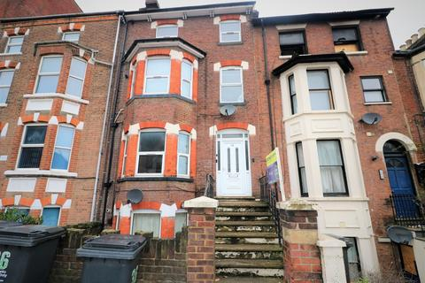 1 bedroom house share to rent - Rothesay Road, Luton  LU1