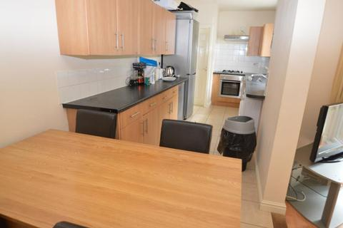 6 bedroom terraced house to rent - Coronation Road, Selly Oak
