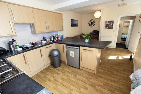 6 bedroom flat to rent - Dartmouth Road