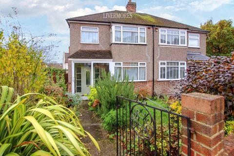 3 bedroom semi-detached house to rent - Bexley Close, Crayford
