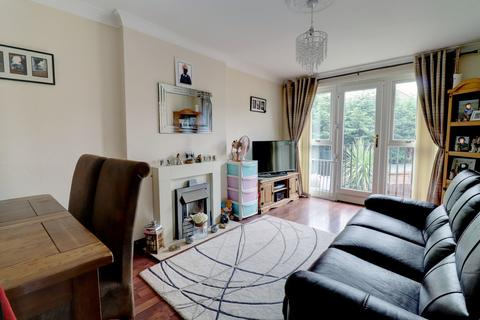 2 bedroom flat to rent - Mill Meadow Close, Sothall, Sheffield