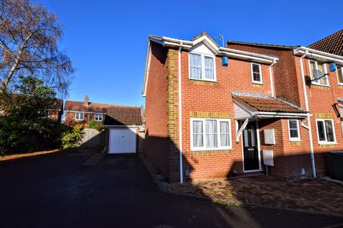 3 bedroom semi-detached house for sale - Plough Close, Aylesbury