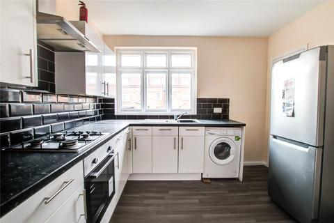 3 bedroom apartment to rent - Beadnell Place, Newcastle upon Tyne, NE2