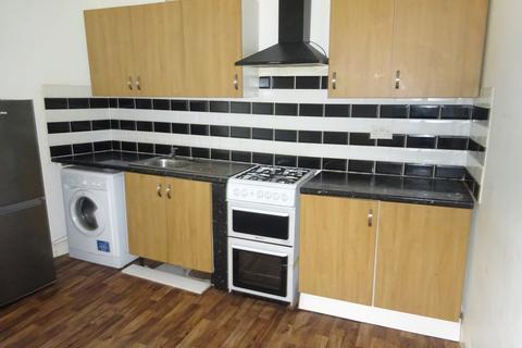 2 bedroom apartment to rent - Mere Lane, Deeplish, OL11