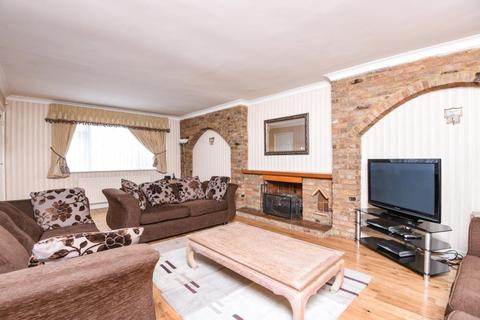 5 bedroom detached house to rent - Hendon Avenue,  Finchley,  N3