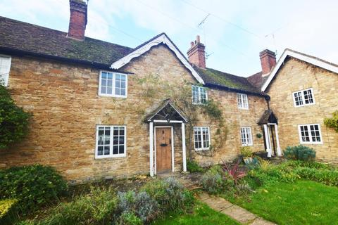 2 bedroom cottage to rent - Abbey Square, Turvey, MK43