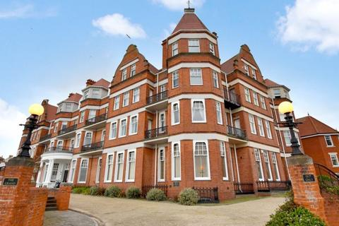 2 bedroom penthouse for sale - Marine Parade East, Clacton-on-Sea CO15