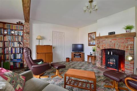 3 bedroom detached bungalow for sale - Brian Crescent, Tunbridge Wells, Kent