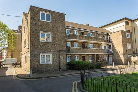 3 bedroom flat to rent - Stafford Cripps House, E2