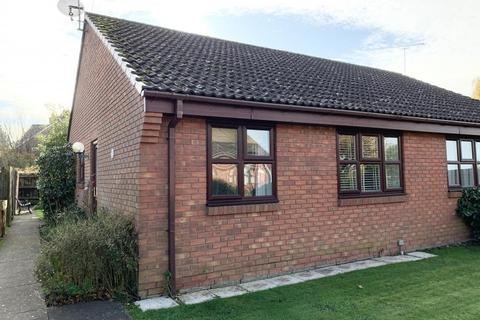 2 bedroom bungalow for sale - Victoria Place, Wimborne, Dorset, BH21 1YE