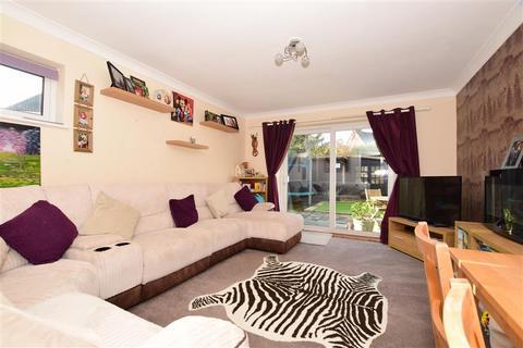 2 bedroom semi-detached house for sale - Brentwood, Ashford, Kent