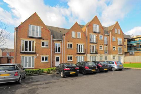 2 bedroom apartment to rent - Standon Court,  Headington,  OX3
