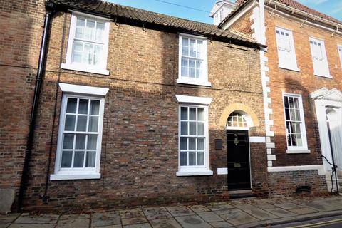 2 bedroom terraced house for sale - Old Coach House , 7A Hengate, Beverley , HU17 8BL