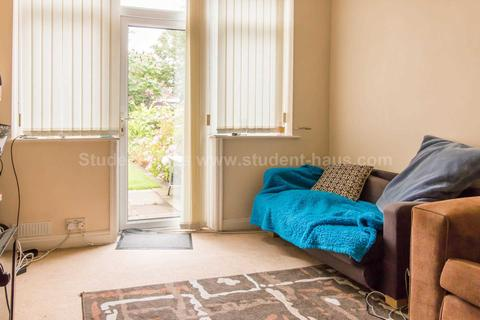 3 bedroom house to rent - Bolton Road, Salford