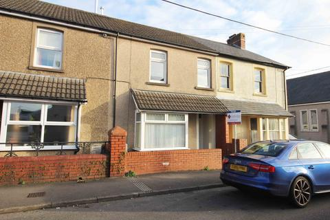 4 bedroom terraced house to rent - Cerdin Avenue
