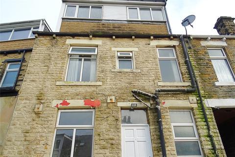 4 bedroom terraced house to rent - Mavis Street, Bradford, West Yorkshire, BD3