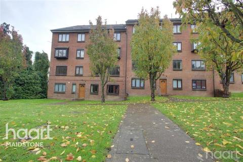 2 bedroom flat to rent - Buckland Hill, ME16
